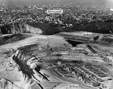 1961, Dodger Stadium Construction