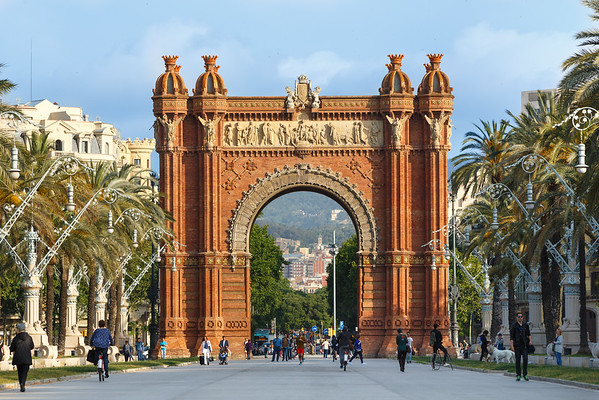The Arc de Triomf, a beautiful landmark that helped me find my bearings on my second trip to Barcelona. Sometimes it takes awhile to get familiar enough with a new location to have any idea where I'm going. This portion of the city is full of landmarks like this beautiful gate to the 1888 World Fair and now the park downtown.