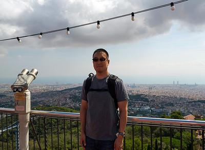 2015 Barcelona - Tibidabo - Leo over the City