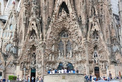 2015 Barcelona - La Sagrada Familia - View From Across the Street Zoomed