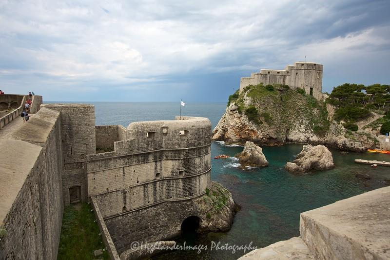 Walk along the old city wall, Dubrovnik, Croatia