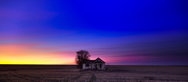 Abandoned Farmhouse, Sunrise December 2018