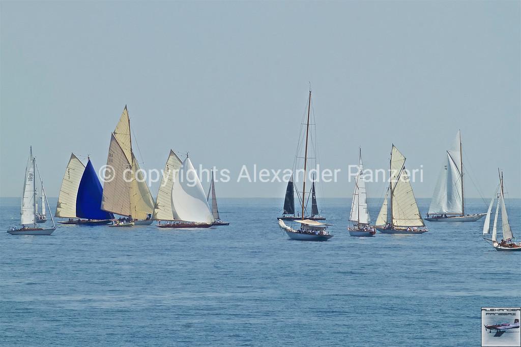 Waiting vessels - copyright © photo Alexander Panzeri