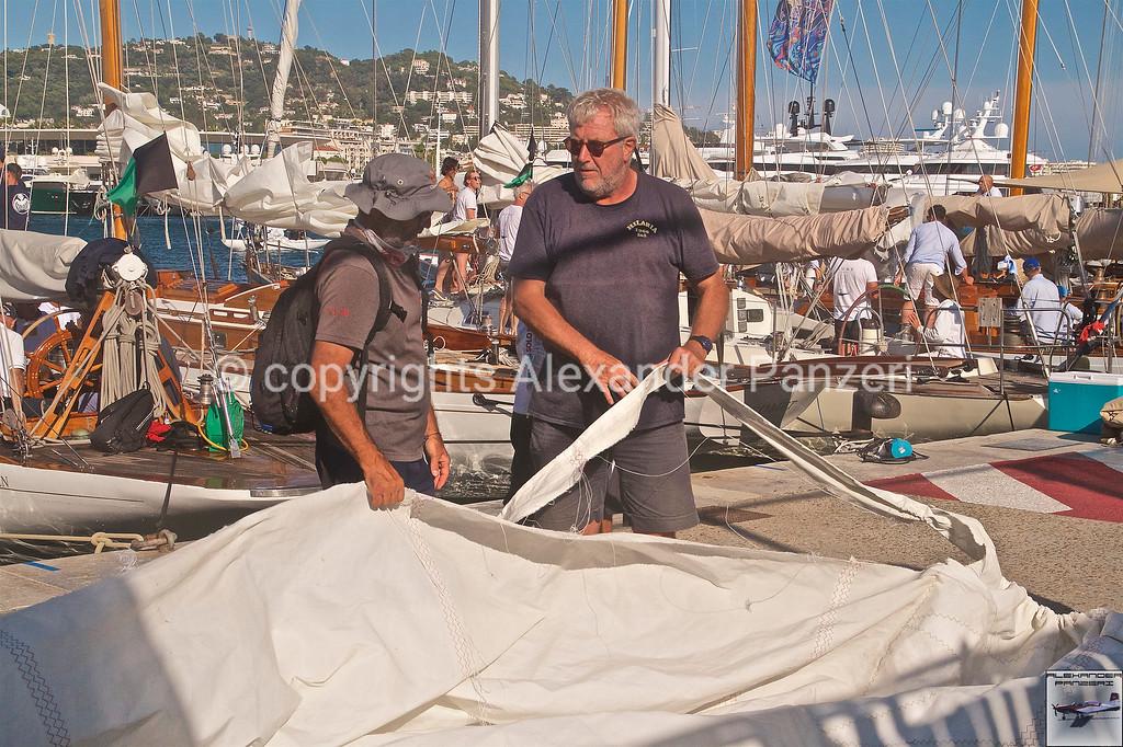 Sails damaged - copyright © photo Alexander Panzeri