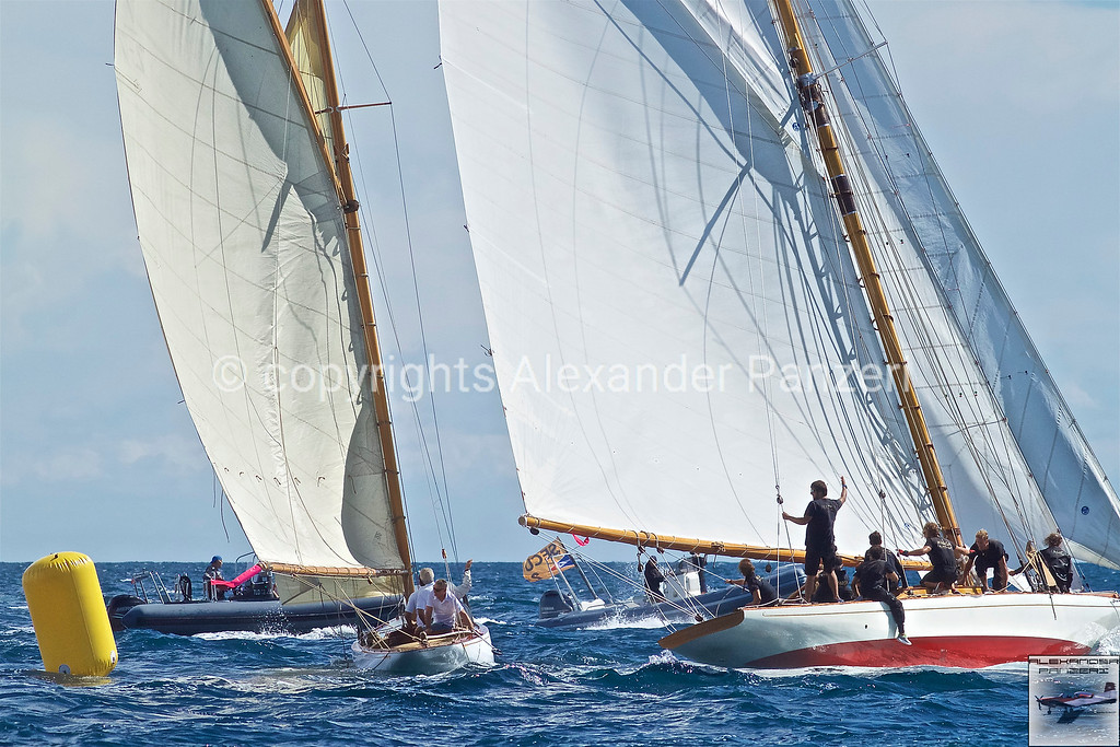 trouble at the first mark - copyright © photo Alexander Panzeri