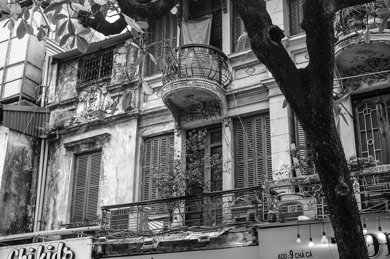 Colonial Grandure