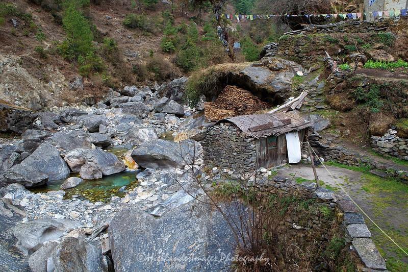 Koshigaun village between Lukla and Phakding