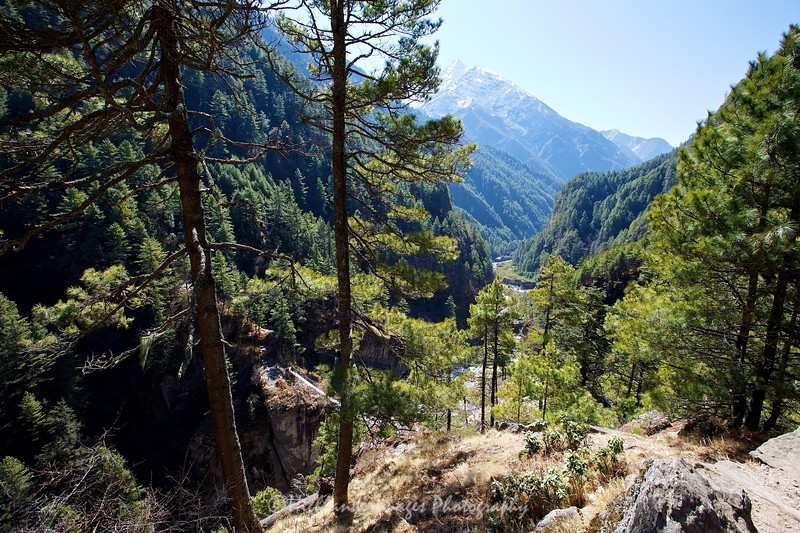 The steep trail offered stunning views of the mountains on the last section between Jorsalle and Namche Bazaar