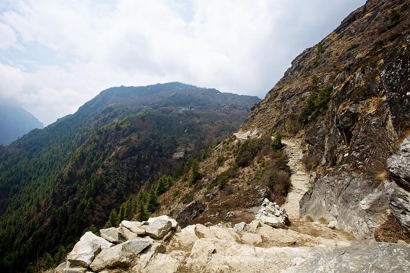 The trail between Tengboche and Namche Bazaar.