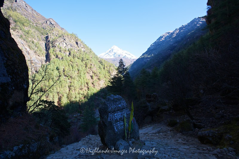We entered the Sagarmatha National Park at the outskirts of Monjo and here the trail dropped steeply again to the Dudh Kosi River.