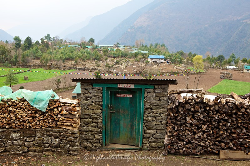 A toilet at the side of the track between Lukla and Phakding