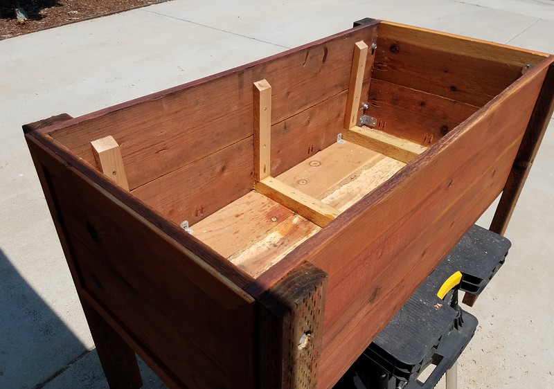 Redwood Planter box - interior ribbing for strength