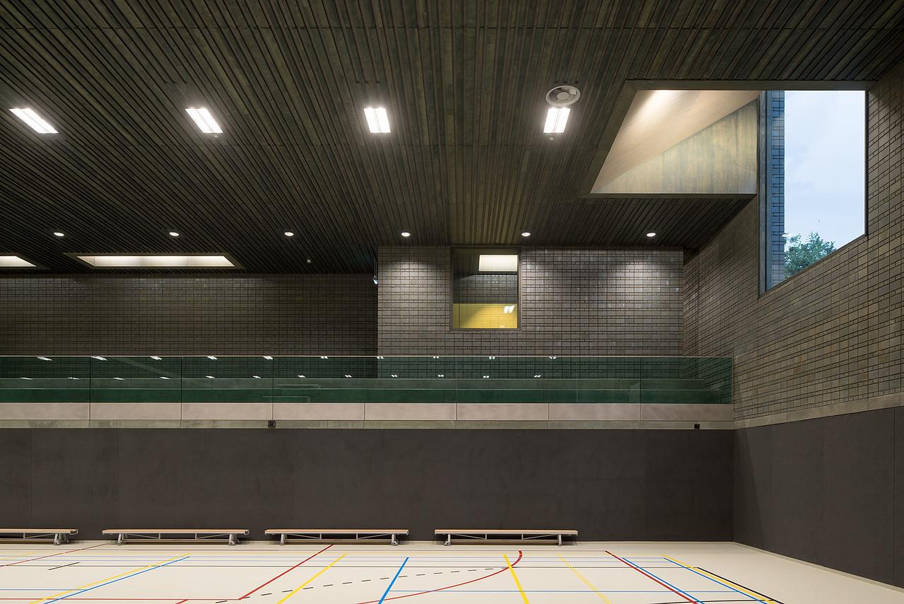 Sportcentrum de Rozenburcht. Koen van Velsen architecten.