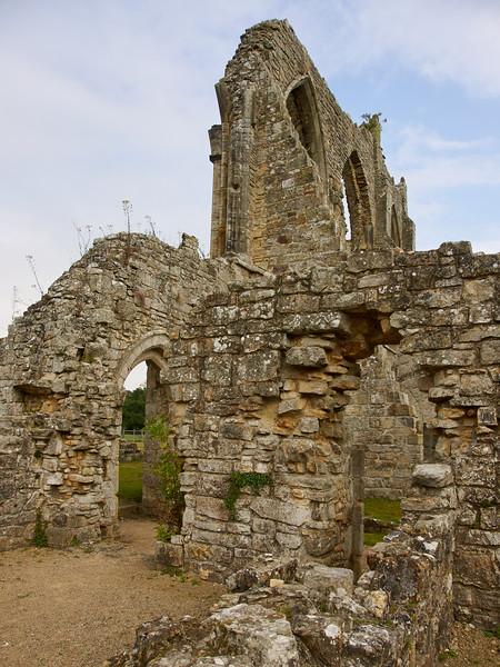 Bayham Abbey, Ruined Walls