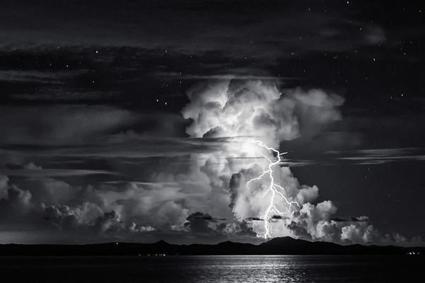 Lightning Black & White 2