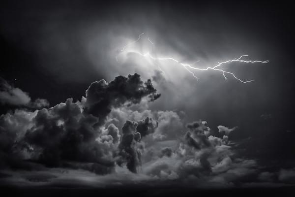 Lightning Black & White 3