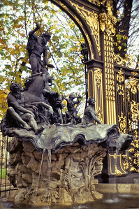 La fontaine de Neptune, Nancy, octobre 1994