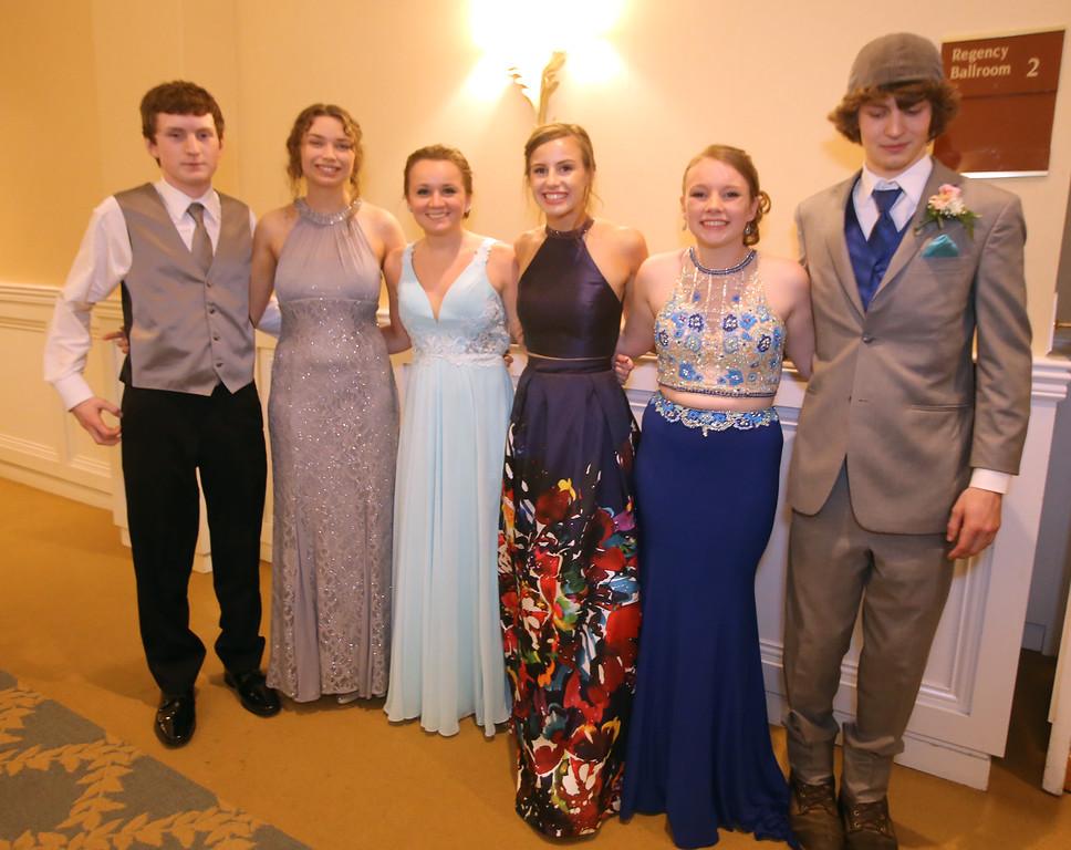 . North Middlesex Regional High School prom. (SUN/Julia Malakie)