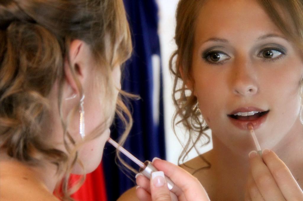 bride, mirror shot