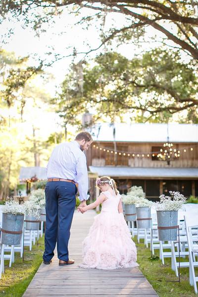 CAP2017-MadisonKyle-WEDDING-Giselle-TuckersFarmhouse-1052