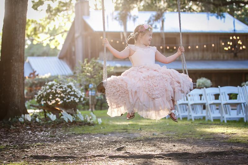 CAP2017-MadisonKyle-WEDDING-Giselle-TuckersFarmhouse-1034
