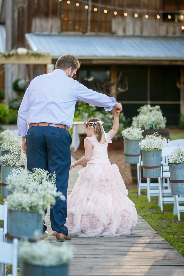 CAP2017-MadisonKyle-WEDDING-Giselle-TuckersFarmhouse-1054