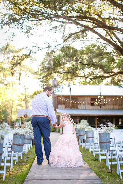 CAP2017-MadisonKyle-WEDDING-Giselle-TuckersFarmhouse-1051