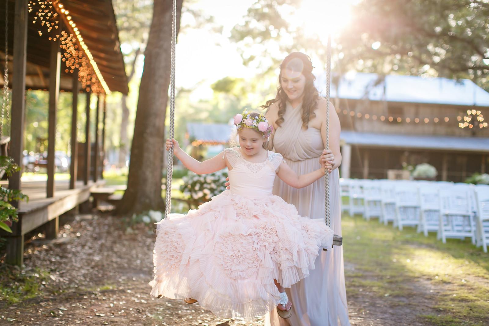 CAP2017-MadisonKyle-WEDDING-Giselle-TuckersFarmhouse-1027
