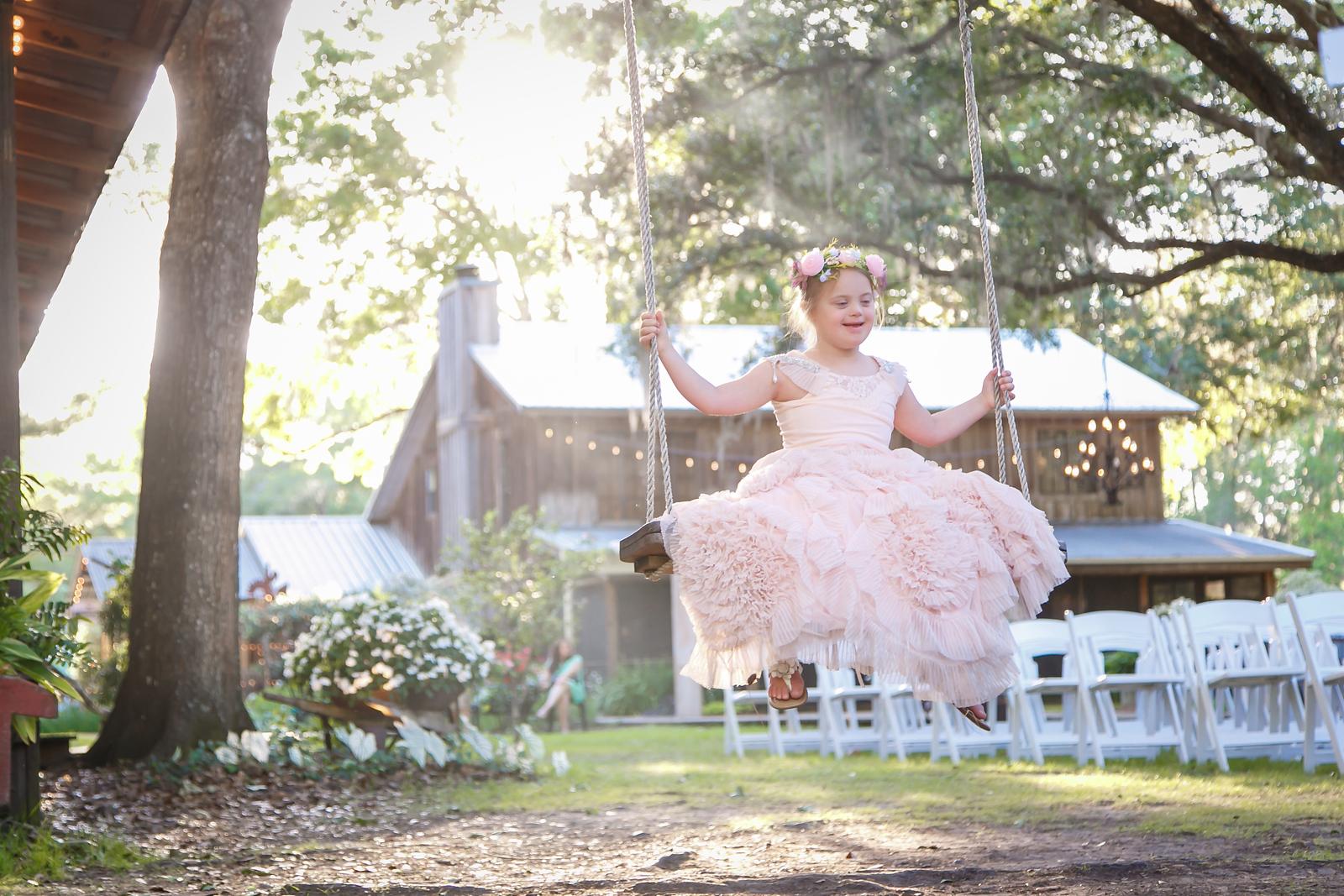 CAP2017-MadisonKyle-WEDDING-Giselle-TuckersFarmhouse-1016