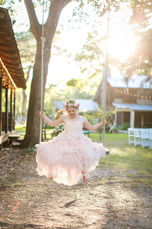 CAP2017-MadisonKyle-WEDDING-Giselle-TuckersFarmhouse-1023