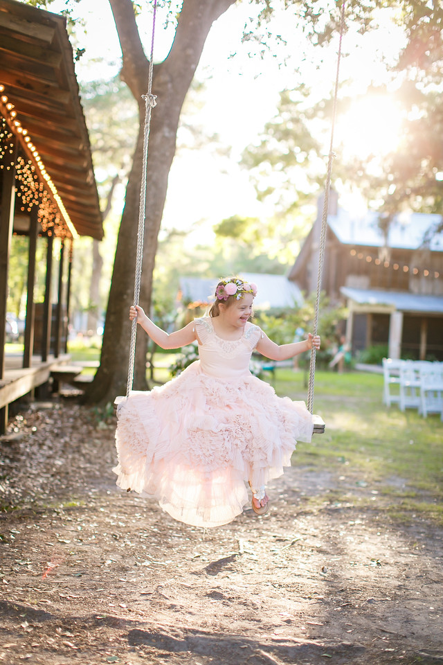 CAP2017-MadisonKyle-WEDDING-Giselle-TuckersFarmhouse-1025