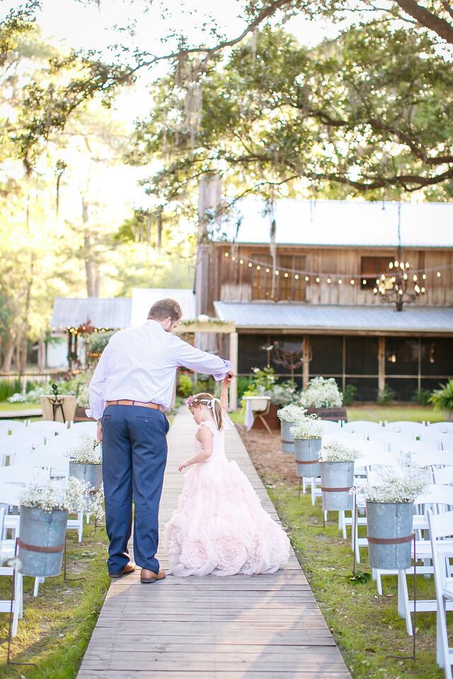 CAP2017-MadisonKyle-WEDDING-Giselle-TuckersFarmhouse-1053