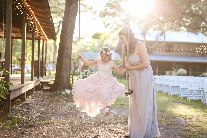 CAP2017-MadisonKyle-WEDDING-Giselle-TuckersFarmhouse-1028