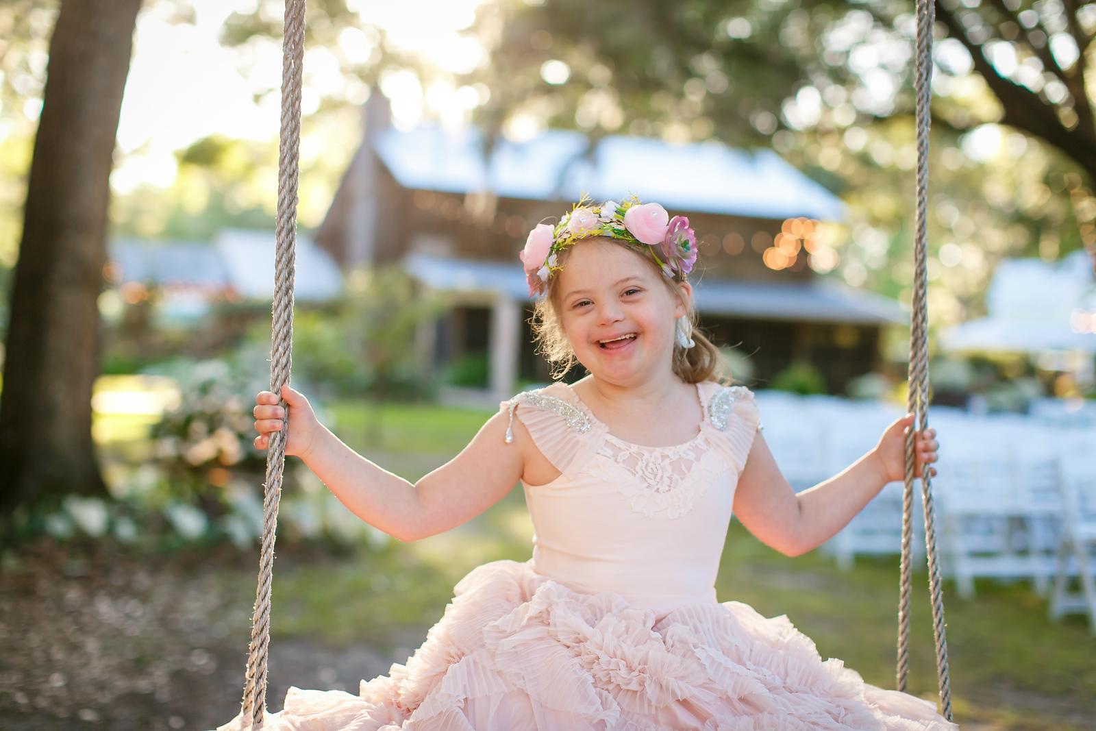CAP2017-MadisonKyle-WEDDING-Giselle-TuckersFarmhouse-1041