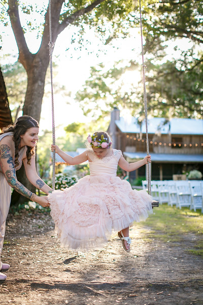 CAP2017-MadisonKyle-WEDDING-Giselle-TuckersFarmhouse-1003