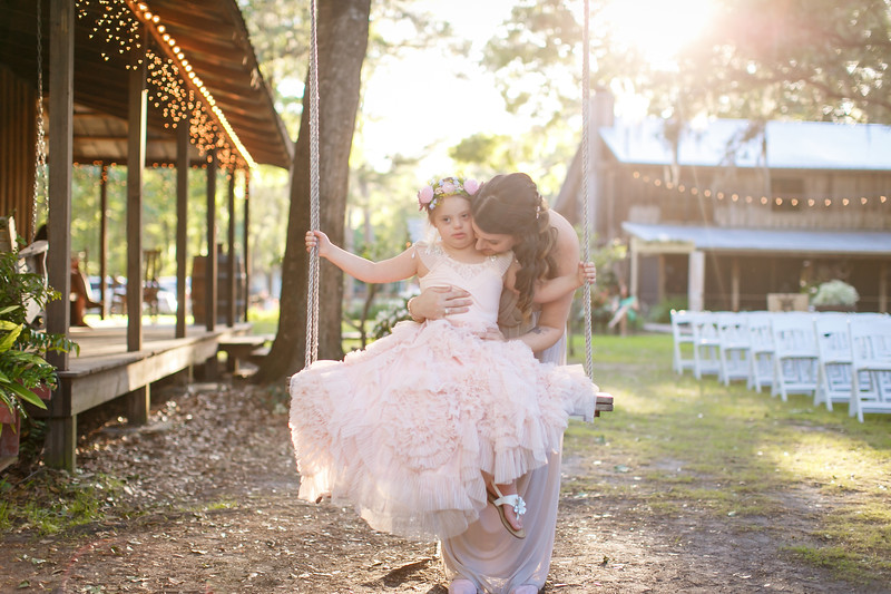 CAP2017-MadisonKyle-WEDDING-Giselle-TuckersFarmhouse-1031