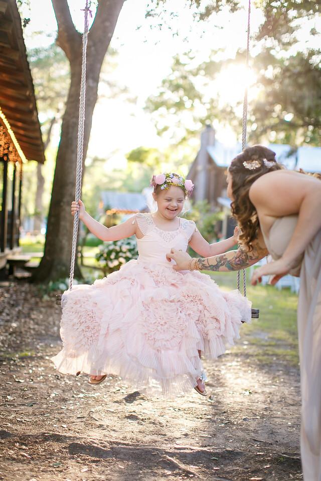 CAP2017-MadisonKyle-WEDDING-Giselle-TuckersFarmhouse-1022
