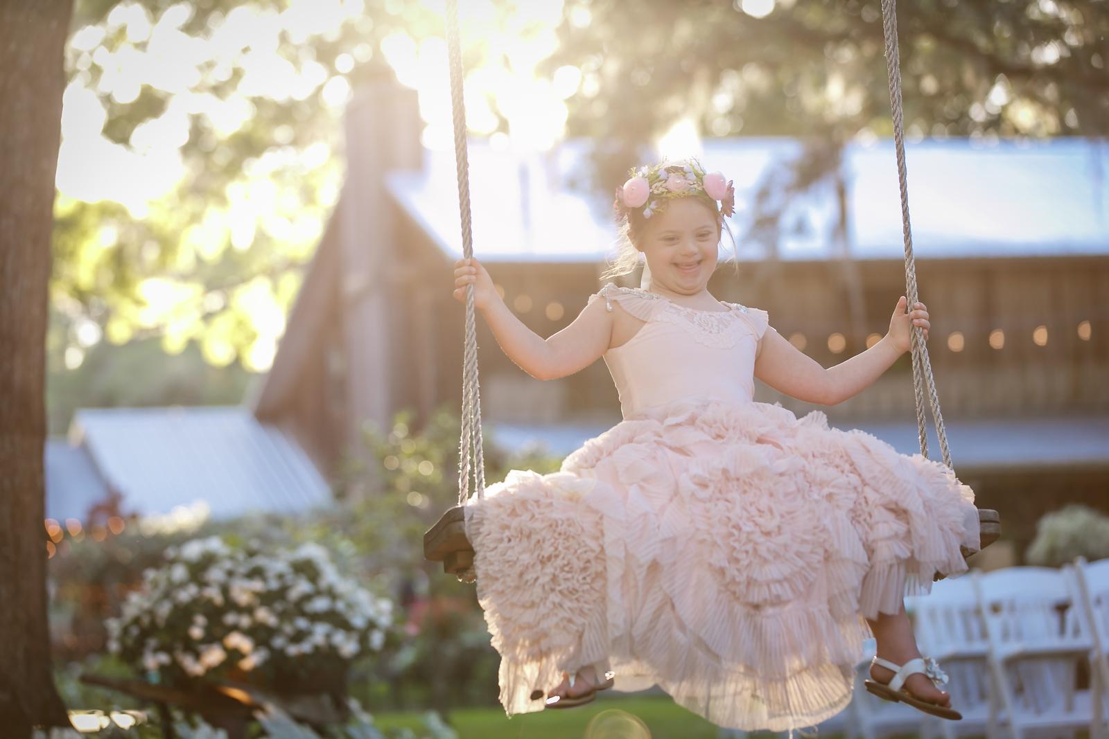 CAP2017-MadisonKyle-WEDDING-Giselle-TuckersFarmhouse-1035