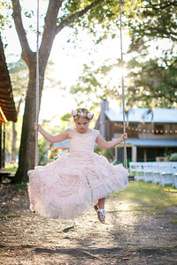 CAP2017-MadisonKyle-WEDDING-Giselle-TuckersFarmhouse-1005