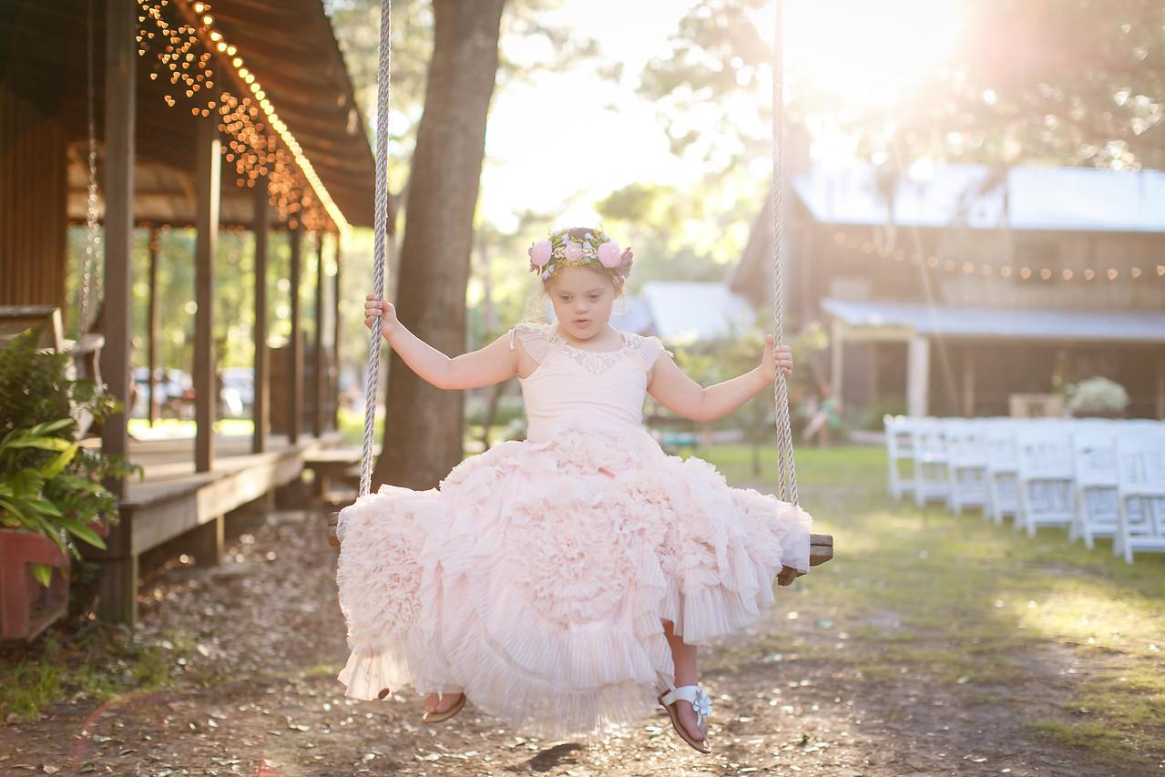 CAP2017-MadisonKyle-WEDDING-Giselle-TuckersFarmhouse-1032