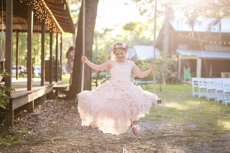 CAP2017-MadisonKyle-WEDDING-Giselle-TuckersFarmhouse-1033