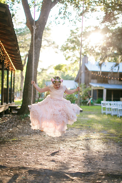 CAP2017-MadisonKyle-WEDDING-Giselle-TuckersFarmhouse-1015