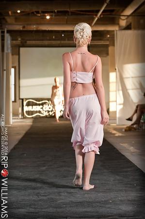 General_Fashion_2010-0114