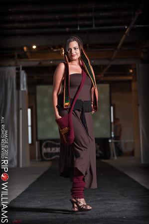 General_Fashion_2010-0219