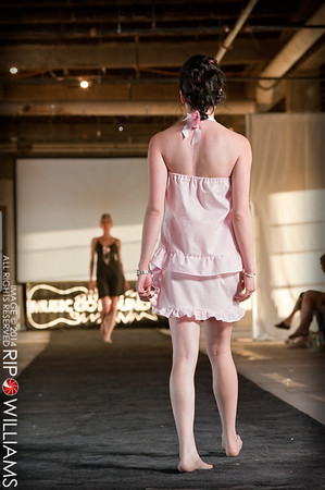 General_Fashion_2010-0122