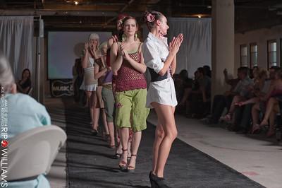 General_Fashion_2010-0223