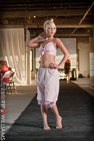 General_Fashion_2010-0113