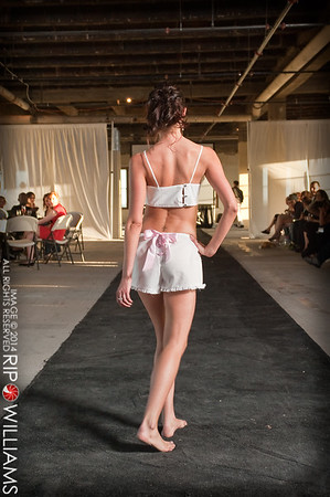 General_Fashion_2010-0107