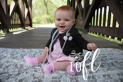 Mia 6 months 042