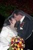 dawn+and+tom+veil+kiss-1557269271-O copy